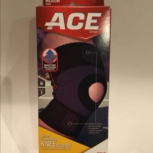 Ace Compression Knee Support Medium Left or right